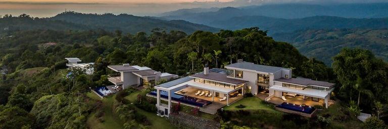 Lujosas casas con vista al mar en la montaña de venta en Costa Rica